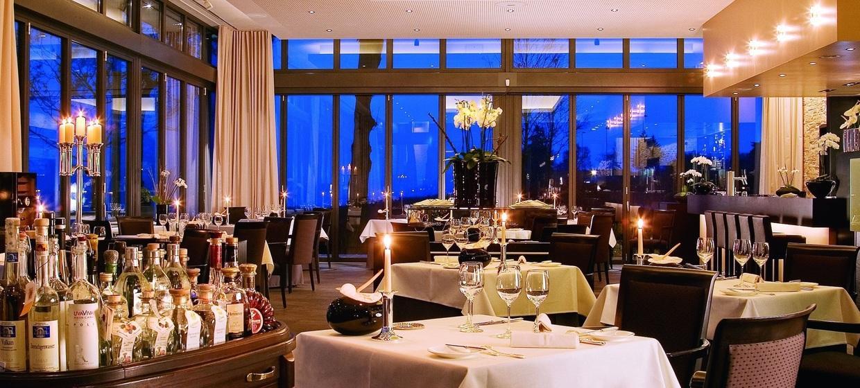 Relais & Châteaux Hotel Burg Schwarzenstein 5