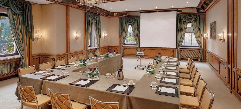 Hotel & Gourmet Restaurant Königshof 4