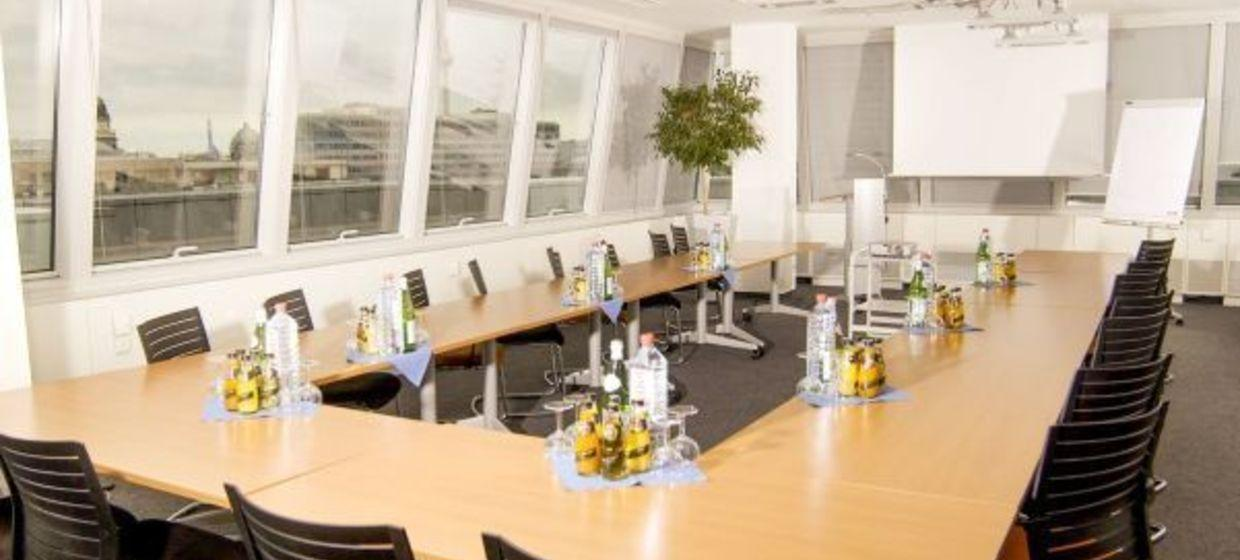 Satellite Office Business & Conference Center, Friedrichstrasse 3