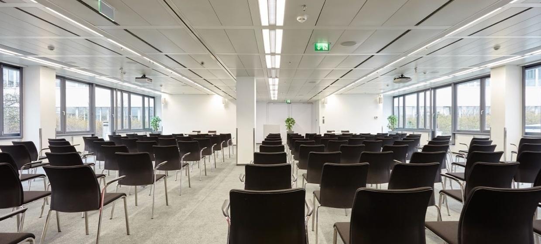 EURO PLAZA Conference Center 8