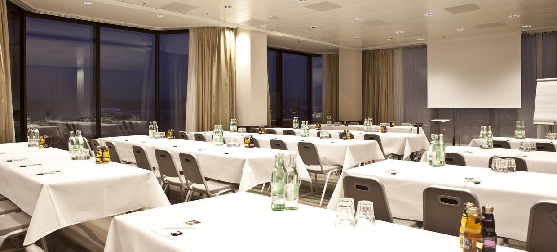Mövenpick Meet&Dine Conference Center am Nürnberger Flughafen 8