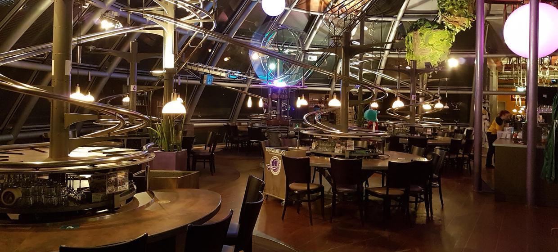 Schwerelos - das Achterbahn Restaurant Dresden 1