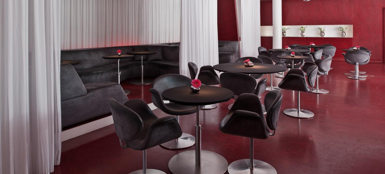 The Fox Bar at Hotel Q 9