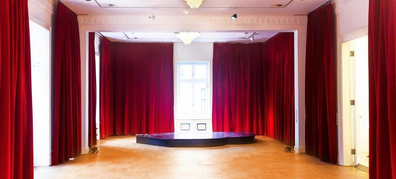 Theater im Zimmer - Villa für Events 13