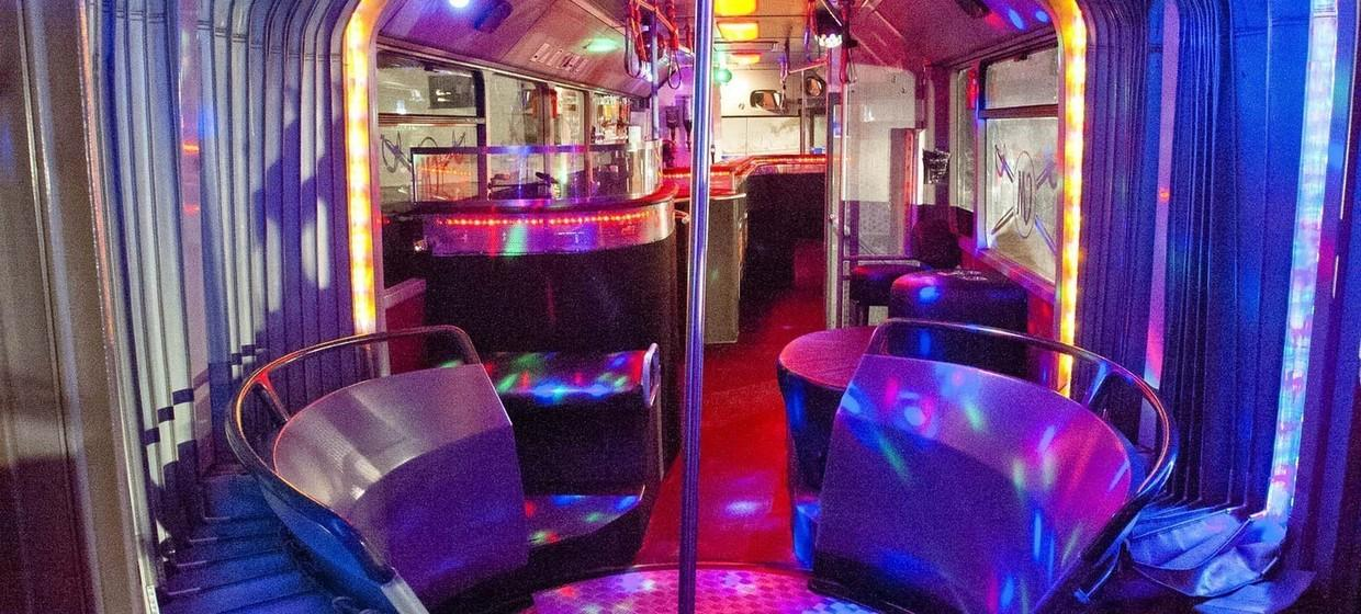 Club and Line Partybus 5