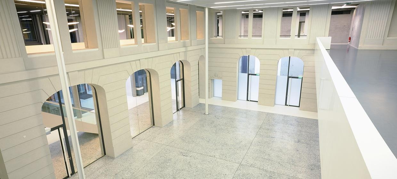 Römischer Hof - Palazzo Italia  4