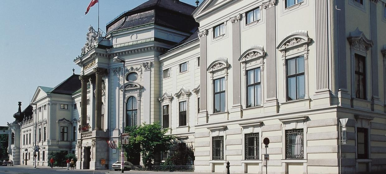 Palais Auersperg 9