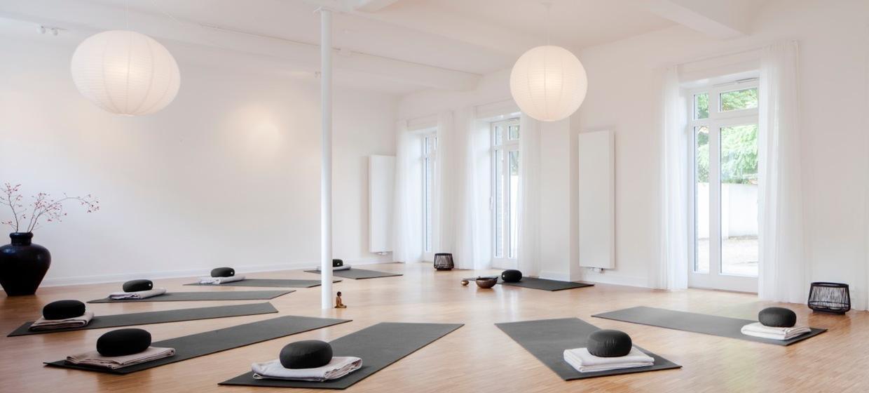 Yoga im Hof 1