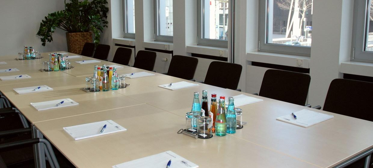 Regus SBC Service and Business Center GmbH 1