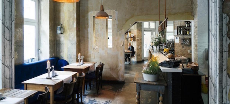 Schiller Bar 1