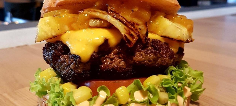 Meat Love Burger & Bar 12