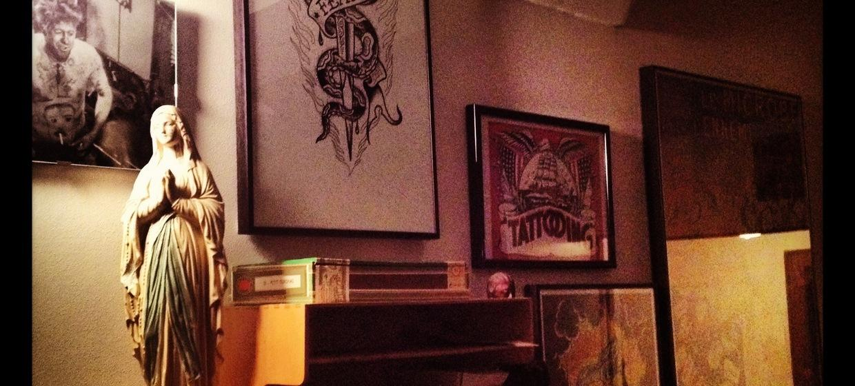 1900 Gallery & Tattooing 4