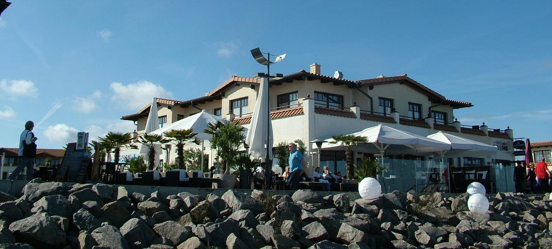 SEA Bar & Lounge 1