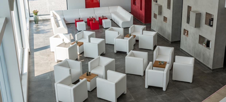 Phoenix Lounge 3