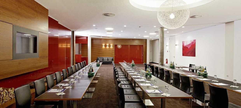 Hilton Garden Inn Stuttgart 2