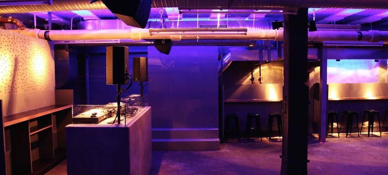 Die Registratur Bar 8