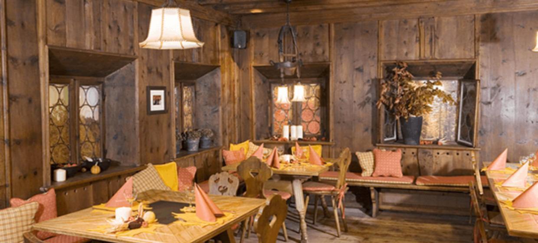 Conti Restaurant 15