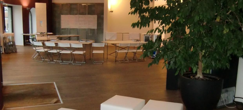 BAZIC Lounge 8