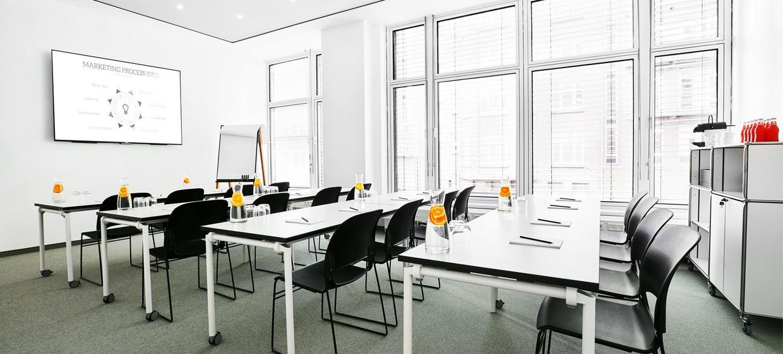 BAZE Business Center & Seminar Location 3