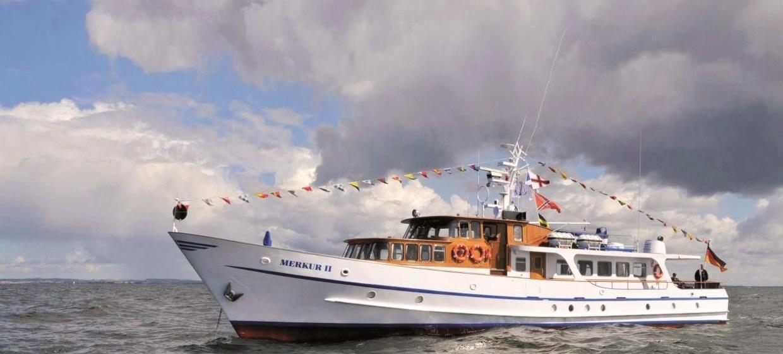 """Motoryacht """"Merkur II"""" 1"""