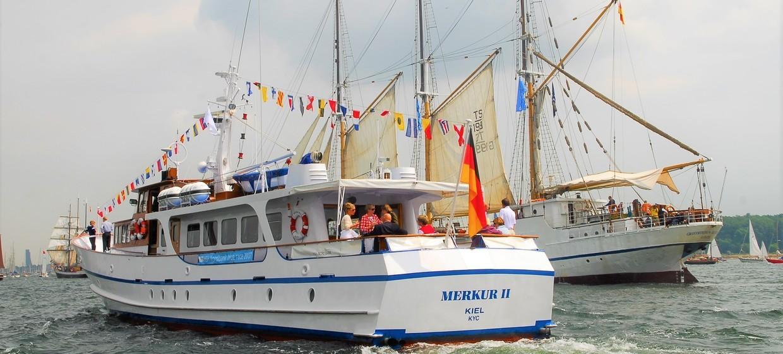 """Motoryacht """"Merkur II"""" 4"""