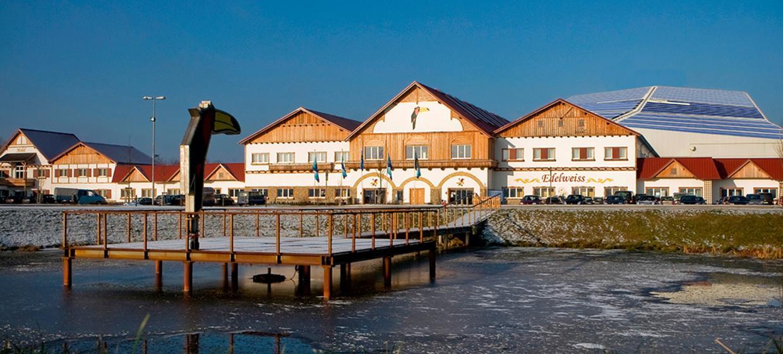 alpincenter & Van der Valk Hotel Hamburg-Wittenburg 1