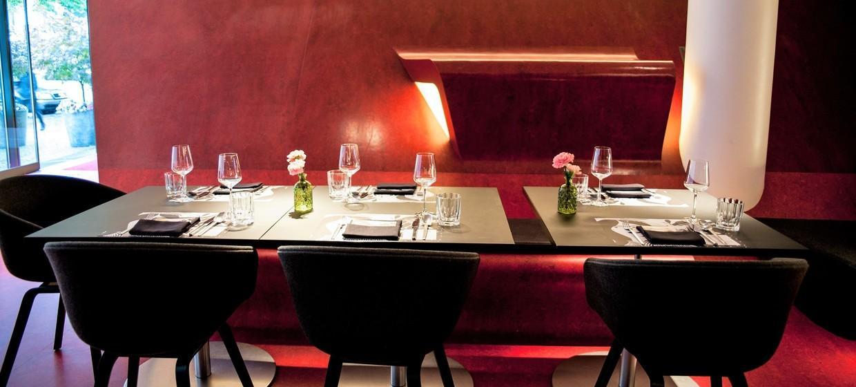 The Fox Bar at Hotel Q 8