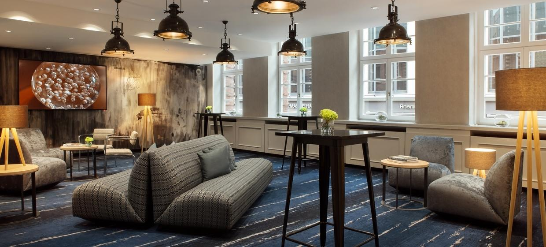 Renaissance Hamburg Hotel 8