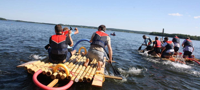 Floßbau mit Floßfahrt - Das Teamevent! 1