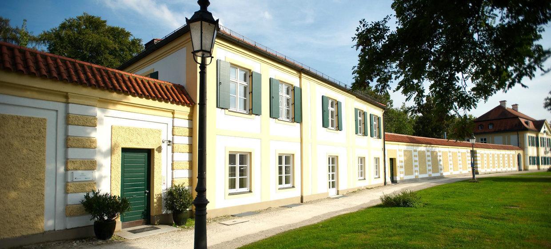 Schlosspalais No. 1 25