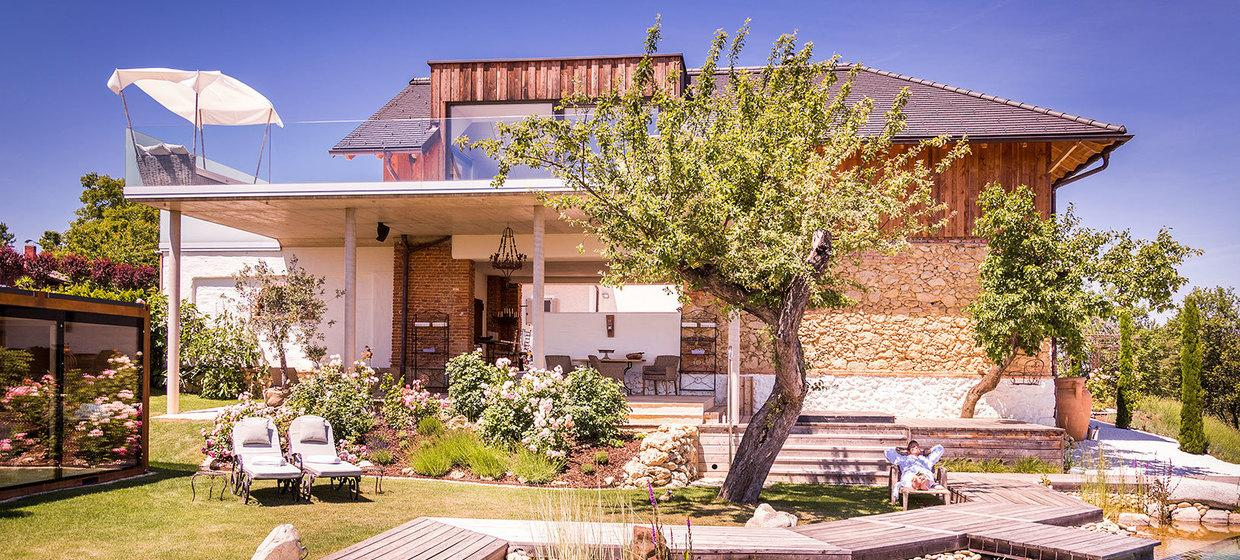 Golden Hill Country Chalets & Suites 4