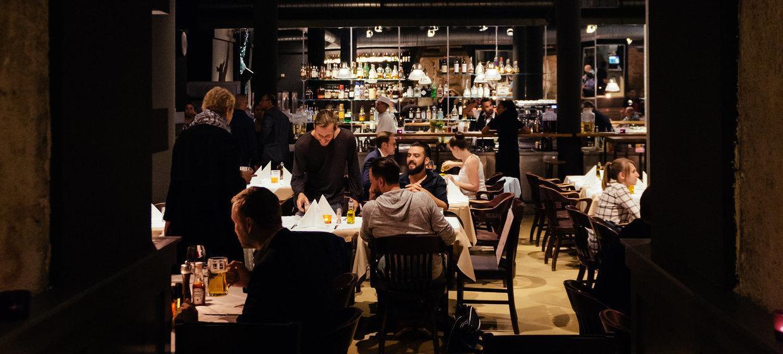 Frank's – American Bar & Restaurant & Music 6