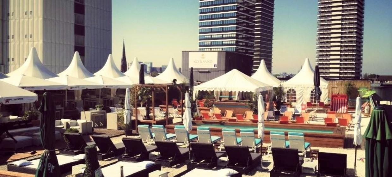 Sky & Sand Beachclub 1