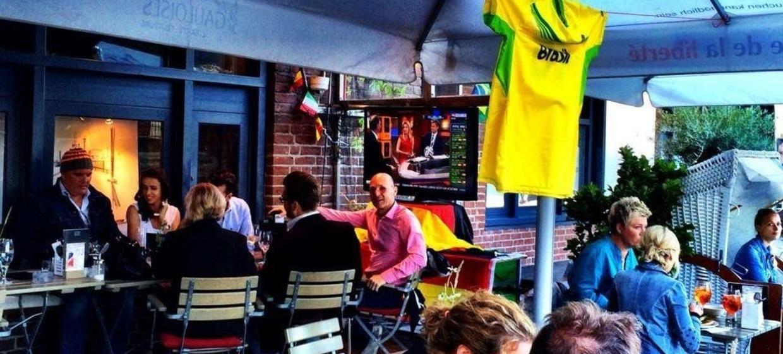 Fußballweltmeisterschaft am Hafen 1