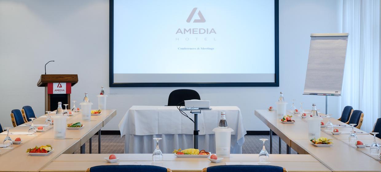 Amedia Hotel Dresden Elbpromenade 1