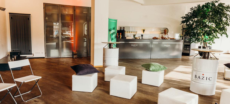 BAZIC Lounge 2
