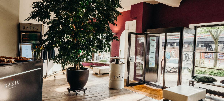 BAZIC Lounge 28