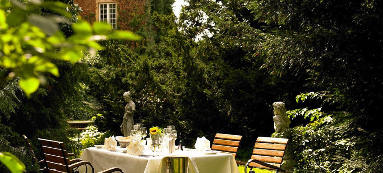 Hotel Schloss Edesheim 13