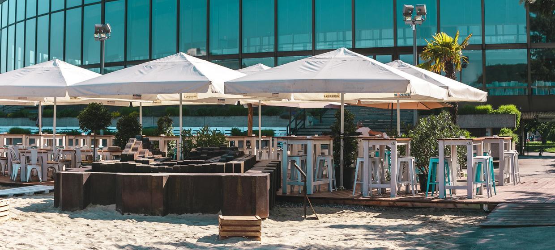 Sandburg - Strand Küsst Bar 2