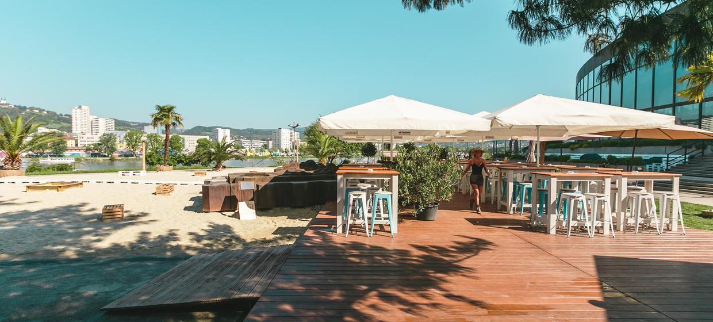 Sandburg - Strand Küsst Bar 3