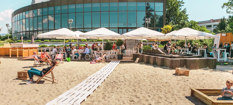 Sandburg - Strand Küsst Bar 4