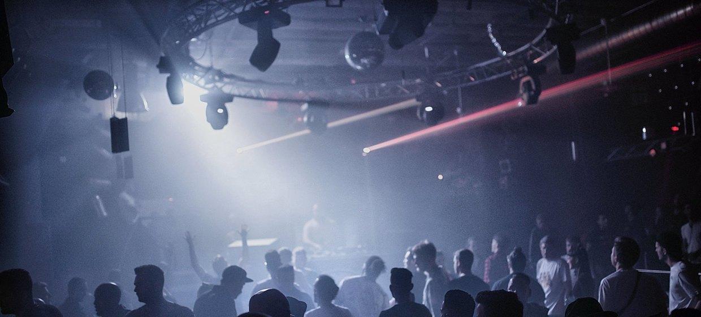 proTON - The Club 9