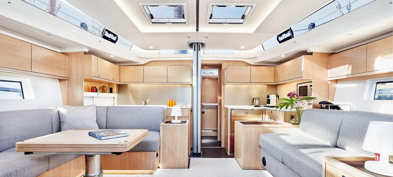 Yacht BEYOND 4