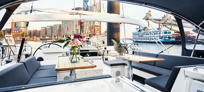 Yacht BEYOND 1