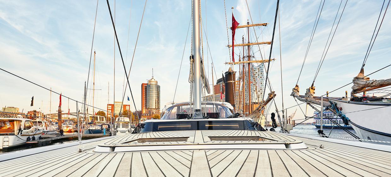 Yacht BEYOND 11