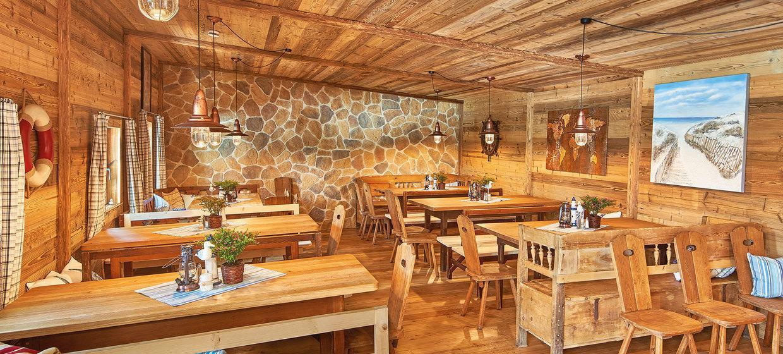 Tatarenhut-Essen im Bootshaus 1