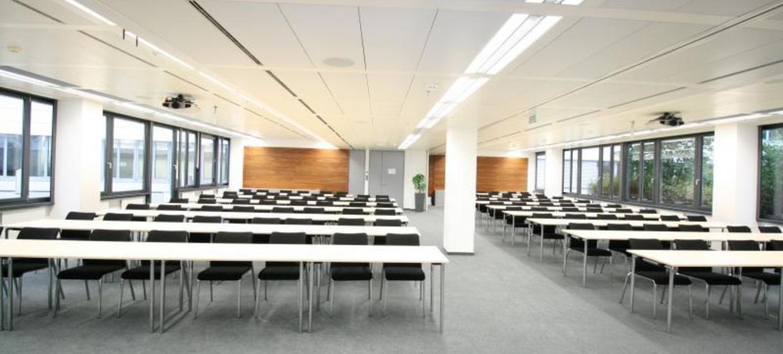 EURO PLAZA Conference Center 6