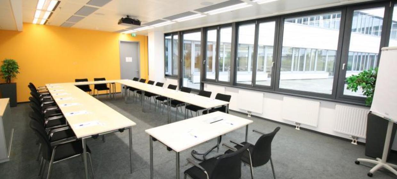 EURO PLAZA Conference Center 7