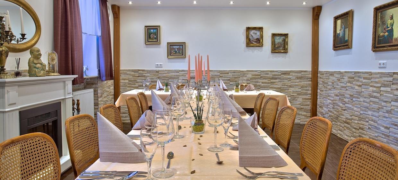 Hotel-Restaurant Barbarossahof 2