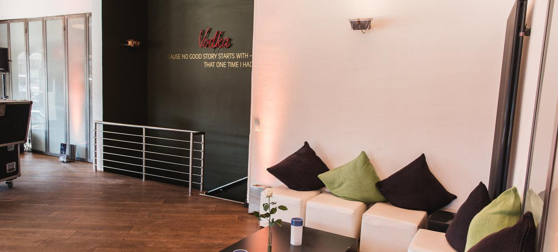 BAZIC Lounge 25